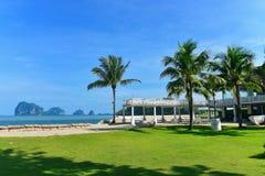 Località di soggiorno di lusso del lato della spiaggia Fotografia Stock