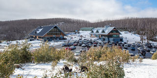 Località di soggiorno di montagna del lago Fotografia Stock