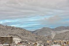 Località di soggiorno di montagna di inverno di Soci Fotografia Stock