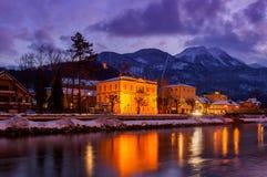 Località di soggiorno di stazione termale cattivo Ischl Austria al tramonto Fotografia Stock Libera da Diritti