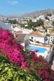 Località di soggiorno famosa di Nerja su Costa del Sol, Malaga, Spagna Fotografie Stock