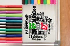 Localités dans le concept de voyage de nuage de mot de l'Italie images stock