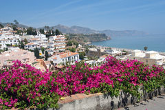 Località di soggiorno famosa di Nerja su Costa del Sol, Malaga, Spagna Fotografie Stock Libere da Diritti