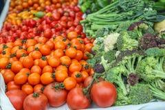 Localmente ha prodotto la frutta e le verdure organiche fresche immagine stock