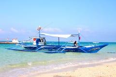 Locals que preparam-se por um dia ocupado do mergulho Imagem de Stock