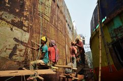 Locals are repairing ship in Dhaka Royalty Free Stock Images