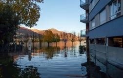 Locarno översvämmade gator Arkivfoto