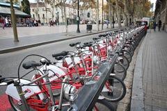 Location de bicyclette, Barcelone Photo stock