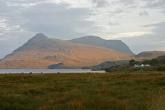 Loch Assynt and Spidean Coinich. A beautiful isolated retreat in the Scottish Highlands Stock Images