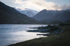 Loch Beannacharain à la tête de Strathconnnon, Ecosse Photo libre de droits