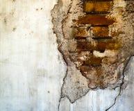 Loch in der Wand, aufschlussreicher Ziegelstein Stockfotografie
