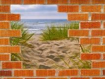 Loch in der Wand zum Ozean Stockfotografie