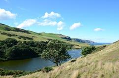 Loch do atoleiro na cabeça do St Abbs em Escócia imagem de stock royalty free
