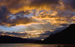 loch duich над заходом солнца Стоковое Фото