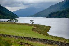 Loch Eck przy Loch Lomond i Trossachs parkiem narodowym Argyll a Zdjęcie Stock