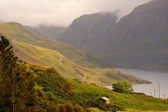 Loch Glendhu en bergen, Assynt, Schotland stock afbeelding