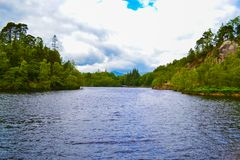 Loch Katrine Katrine jezioro w średniogórzach, Szkocja Piękny los angeles Obrazy Royalty Free