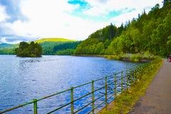 Loch Katrine Katrine jezioro w średniogórzach, Szkocja Piękny los angeles fotografia royalty free