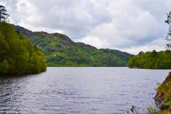 Loch Katrine Katrine jezioro w Szkockich średniogórzach piękny lak Fotografia Stock