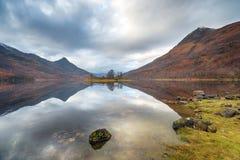 Loch Leven in Schottland lizenzfreie stockbilder