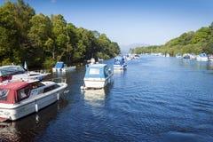 Loch Lomond amarrou barcos fotos de stock royalty free