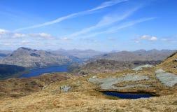 Loch Lomond och berg från Ben Lomond Scotland Arkivbild