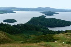 Loch Lomond panorama- sikt Arkivbild