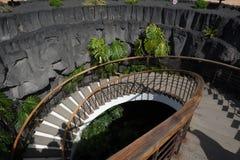 Loch mit Treppe in Museo Del Campesino, im Dorf von Mozaga in Lanzarote lizenzfreies stockfoto