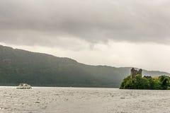 Loch Ness en el tiempo melancólico, Escocia Imagen de archivo libre de regalías