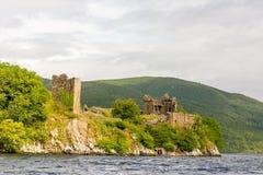 Loch Ness i dystert väder, Skottland Royaltyfria Bilder