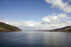 Loch Ness in Schottland Stockfotos