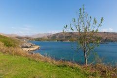 Loch van West- Nan Uamh Schotland dichtbij Arisaig waar de Prins Charles Edward Stuart voor Frankrijk wegging Stock Foto