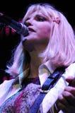 Loch, welches die Courtney Loveausführung Phasen kennzeichnet. Stockbild