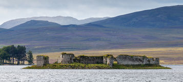 LOCHINDORB, HIGHLANDS/SCOTLAND - AUGUST 27 : The derelict castle. At Lochindorb Highlands Scotland on August 27, 2015 Stock Photography