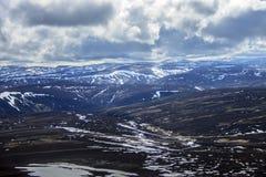 Lochnagar从登上敏锐的山顶观看了 Cairngorm山,阿伯丁郡,苏格兰 库存图片
