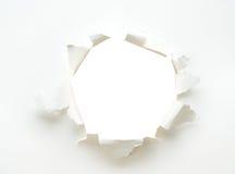 Lochweißes leeres Papierplakat Lizenzfreie Stockfotos