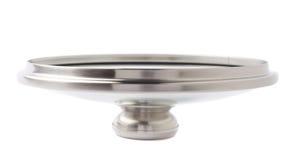 Lock av pannan för rostfritt stålmatlagningkruka som isoleras över vit bakgrund Arkivfoton