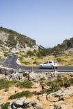LOCK DE FORMENTOR, MALLORCA - 29 JULI 2015 Th för alond för bilkörning Arkivbilder