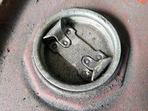 Lock för olje- behållare för motor royaltyfri foto