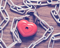Lock heart with chain Royalty Free Stock Images