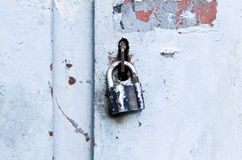 Lock on old door Royalty Free Stock Images