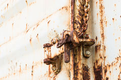 Lock on rusty iron door Royalty Free Stock Images
