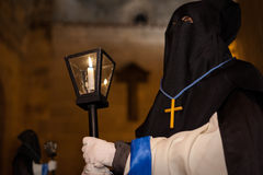 Lock som rymmer korset av Kristus Royaltyfri Foto