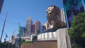 Lockdown που πυροβολείται του μεγάλων λιονταριού MGM και του ξενοδοχείου της Νέας Υόρκης Νέα Υόρκη απόθεμα βίντεο