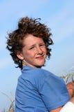 lockig pojke Fotografering för Bildbyråer