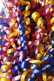 Lockiger Farbband-Hintergrund stockfoto