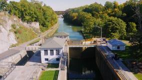 Lockport NY, USA: Amerikaner mest berömt konstgjort vattenvägLockport lås stock video