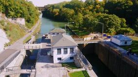 Lockport NY, USA: Ett populärt ställe bland turister, amerikaner mest berömt konstgjort vattenvägLockport lås stock video