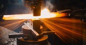 Locksmith pracuje gorącego żelazo fotografia stock