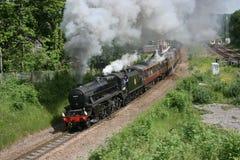 Locomotiva de vapor número do preto cinco 44871 em Dore em uma carta patente tr Imagens de Stock